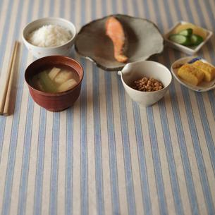 和食の朝食の写真素材 [FYI01951115]