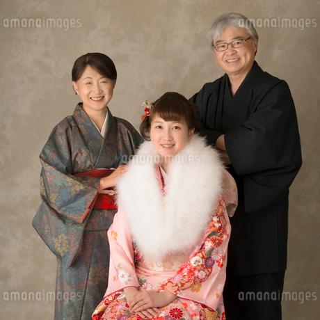 家族の記念写真の写真素材 [FYI01951879]
