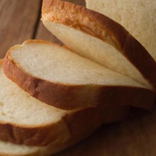 スライスした食パンの写真素材 [FYI01954554]