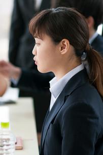 ビジネスウーマンの横顔の写真素材 [FYI01954647]