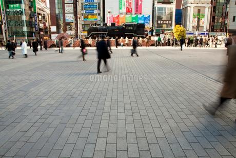 新橋駅前のSL広場の写真素材 [FYI01971068]