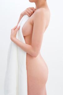 日本人女性のヌードの写真素材 [FYI01971312]
