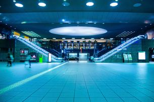 京都駅 構内の写真素材 [FYI01972642]