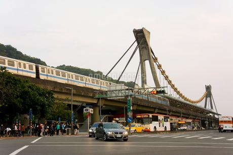 夕暮れの剣潭駅 台湾の写真素材 [FYI01972714]