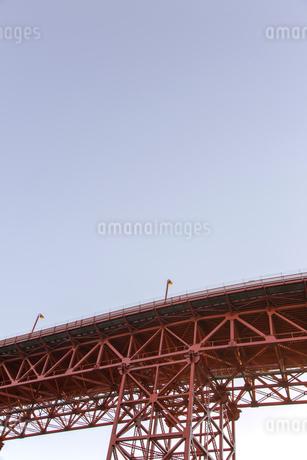 ゴールデンゲートブリッジ アップ サンフランシスコ の写真素材 [FYI01972920]