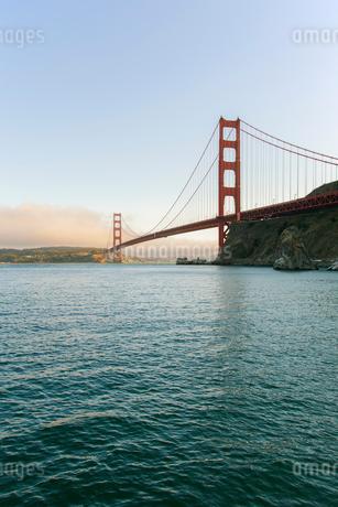 ゴールデンゲートブリッジ サンフランシスコ アメリカの写真素材 [FYI01973297]