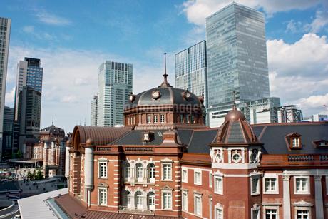 東京駅丸の内の駅舎の写真素材 [FYI01974136]