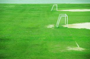 グランドとサッカーゴールの写真素材 [FYI01974672]