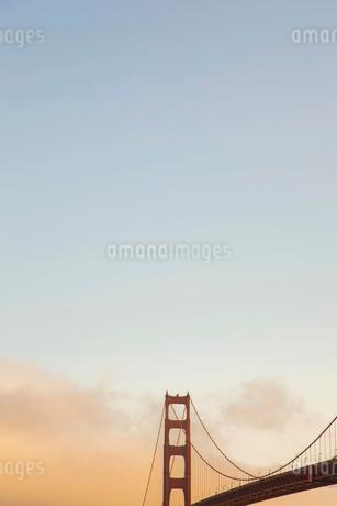 ゴールデンゲートブリッジと空 サンフランシスコの写真素材 [FYI01975058]