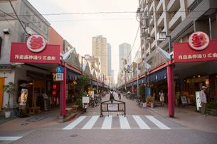 月島もんじゃストリート 西仲通り商店街の写真素材 [FYI01975941]