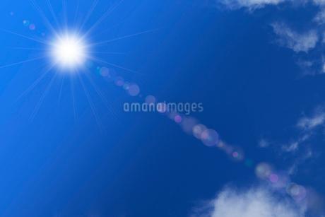 青空と太陽 CGのイラスト素材 [FYI01976153]