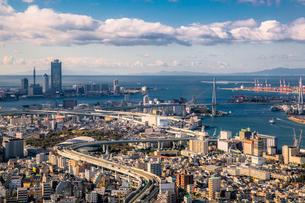 弁天町から大阪港方面を望む大阪市街地の写真素材 [FYI01976918]