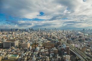 弁天町から大阪駅方面を望む大阪市街地の写真素材 [FYI01981552]