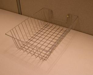Empty wire basketの写真素材 [FYI01983374]
