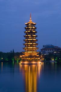 Pagoda in Guilinの写真素材 [FYI01986083]
