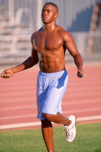 African male athlete jumping ropeの写真素材 [FYI01986485]