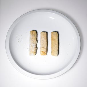 Frozen fish sticksの写真素材 [FYI01986595]