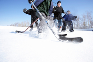 Ice hockey players spraying iceの写真素材 [FYI01986723]