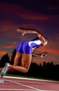 African male athlete runningの写真素材 [FYI01986736]