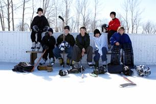 Ice hockey team restingの写真素材 [FYI01986816]
