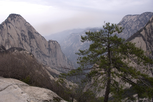 Scenic view of Hua Shan mountainの写真素材 [FYI01987284]