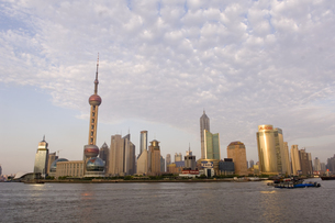 city view with the Oriental Pearl Towerの写真素材 [FYI01988178]