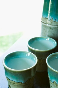 Clay vase and cupsの写真素材 [FYI01989868]