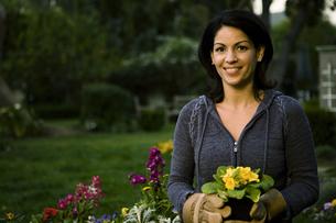 Woman gardeningの写真素材 [FYI01990133]