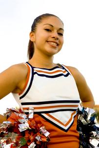 Young woman in cheerleading uniformの写真素材 [FYI01990563]