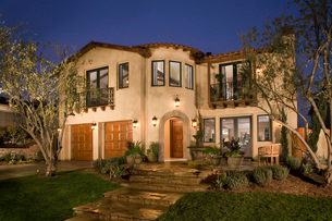 Large Spanish Style Homeの写真素材 [FYI01990591]