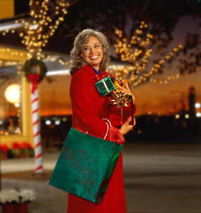 Caucasian woman Christmas shoppingの写真素材 [FYI01990928]
