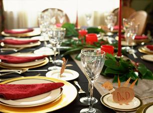 Table set for dinnerの写真素材 [FYI01990954]