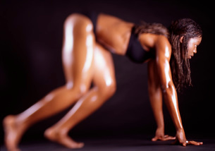 Female athlete stretchingの写真素材 [FYI01991156]