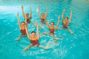 Synchronized swim team practicingの写真素材 [FYI01991253]