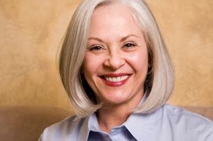 Mature woman smilingの写真素材 [FYI01991737]