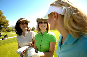 Female golfersの写真素材 [FYI01991985]