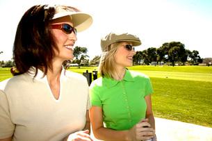 Women on golf courseの写真素材 [FYI01992389]