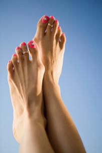Womans feetの写真素材 [FYI01992505]