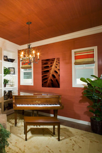 Red Music Room with Grand Pianoの写真素材 [FYI01992632]