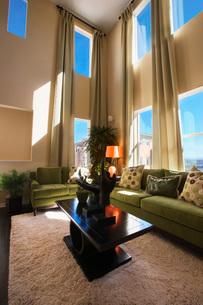 Contemporary Living Roomの写真素材 [FYI01993082]