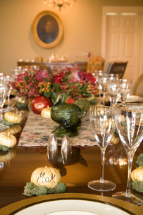 Set dinner tableの写真素材 [FYI01993310]
