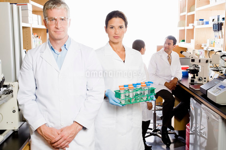 scientists in laboratoryの写真素材 [FYI01993331]