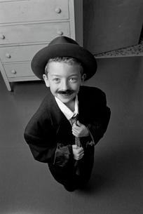 boy in adult suitの写真素材 [FYI01993578]