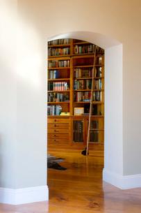 Doorway to Home Libraryの写真素材 [FYI01993809]