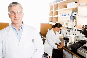 scientist wearing protective eyewearの写真素材 [FYI01994174]