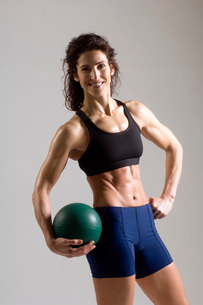athlete carrying exercise ballの写真素材 [FYI01994452]