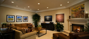 Contemporary Living Room with Artworkの写真素材 [FYI01994824]