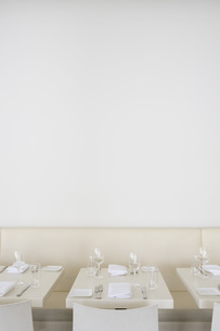 Row of tables at restaurantの写真素材 [FYI01995722]