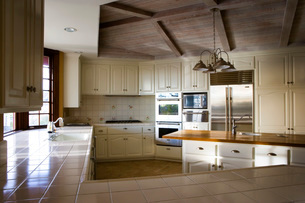 Large Country Style Kitchenの写真素材 [FYI01995866]