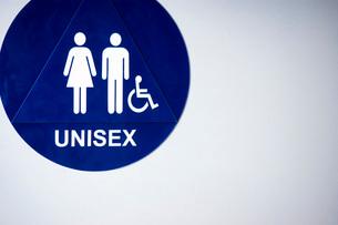 Unisex bathroom logoの写真素材 [FYI01995880]